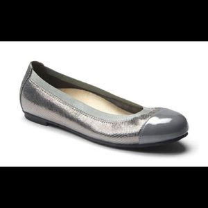 Vionic allora flats with orthaheel